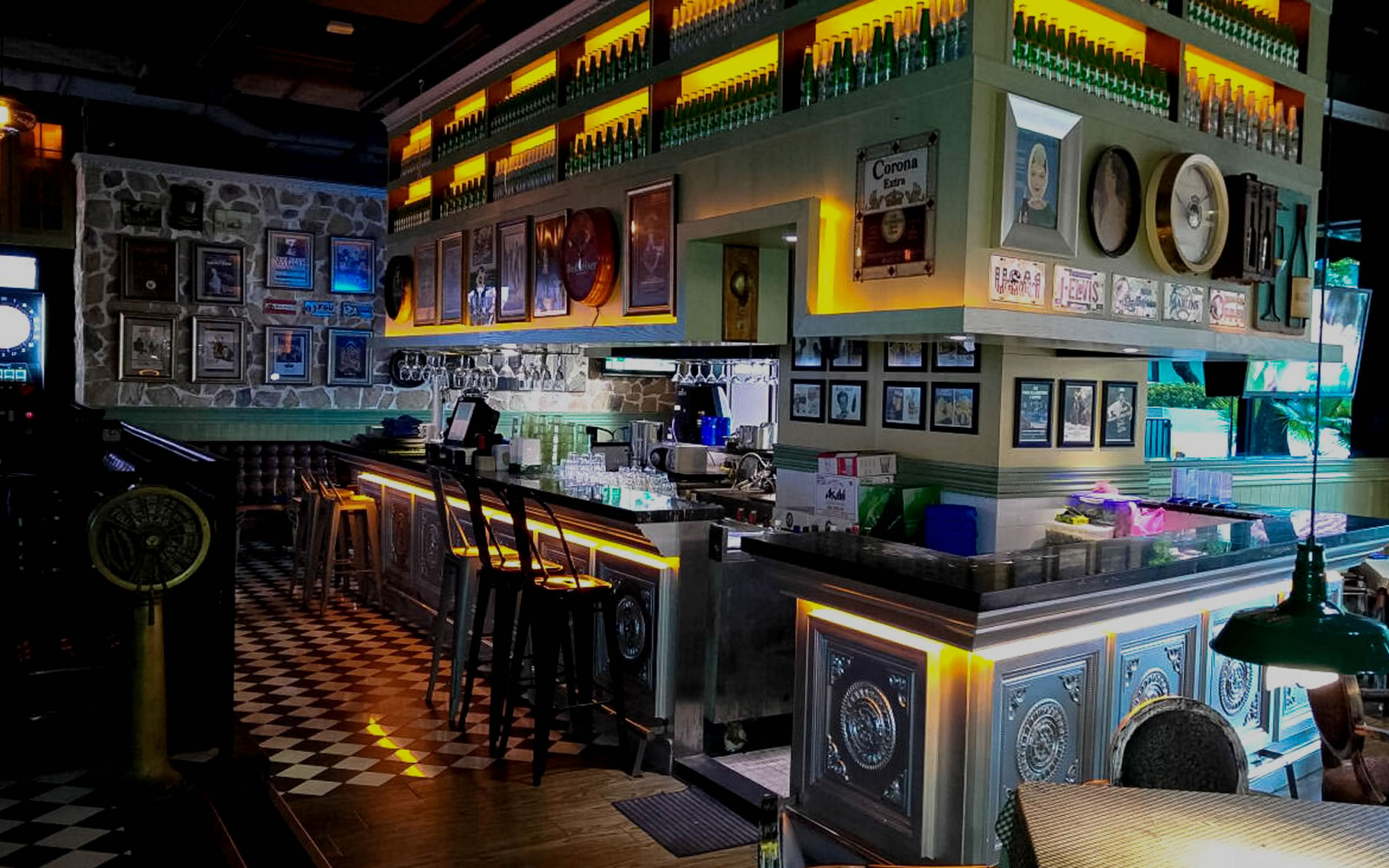 Kwai Fong 葵芳葵芳閣歌德餐廳酒吧 桌球 飛鏢