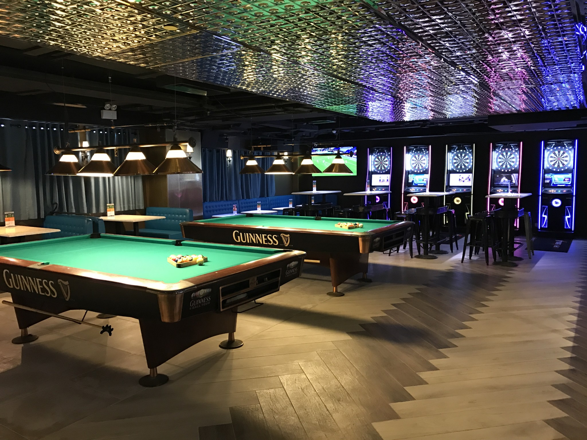 Temple Street 油麻地廟街Joe's Billiards & Bar酒吧 桌球 飛鏢 Beer Pong